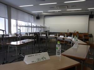 F吉崎が担当したRグループの小グループ討論会場の様子